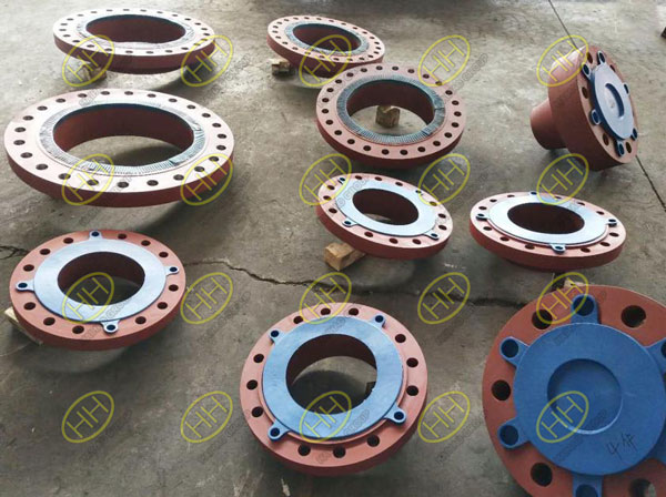 ANSI B16.5 flange products painting with red oxide primer