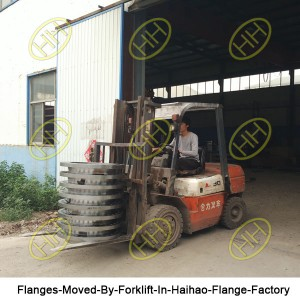 Flanges-Moved-By-Forklift-In-Haihao-Flange-Factory