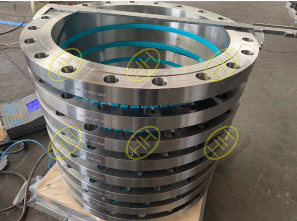Large size flanges are finished for Spanish customer