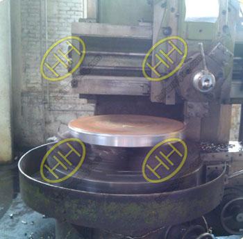 Lathe processing tube sheet