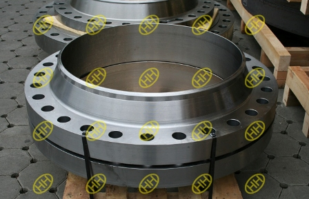 large size weld neck flange on pallet package